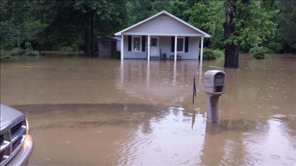 Flooding in Mounds, IL (Source: Roderic Gatewood)