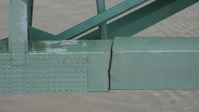 Major crack in I-40 bridge.