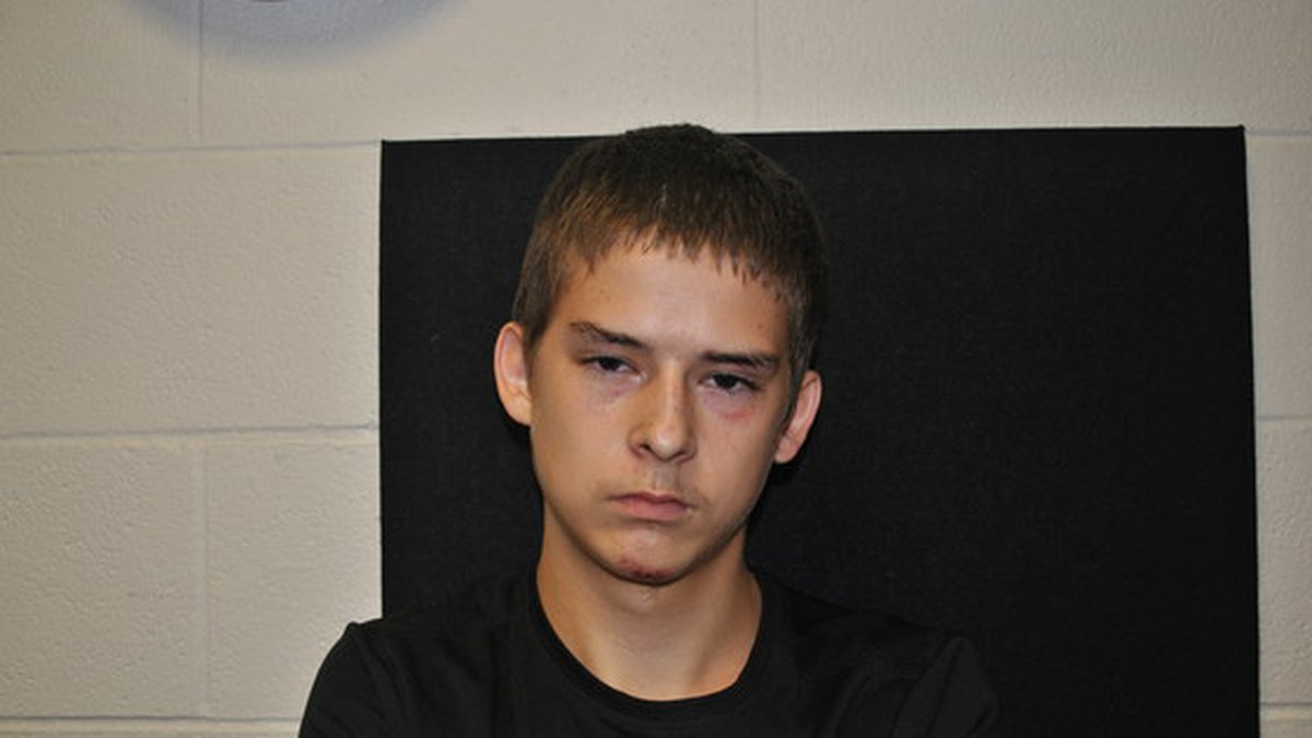 Police looking for escaped inmate, 16-year-old Luke Craig