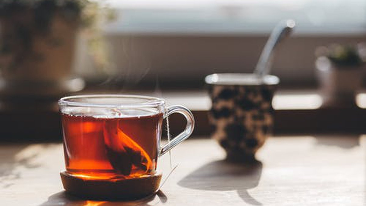 A cup of hot tea or coffee might be in order on this chilly morning. (Source: Pexels/stock image)
