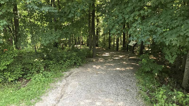 There is a variety of trails near the Cape Girardeau Nature Center