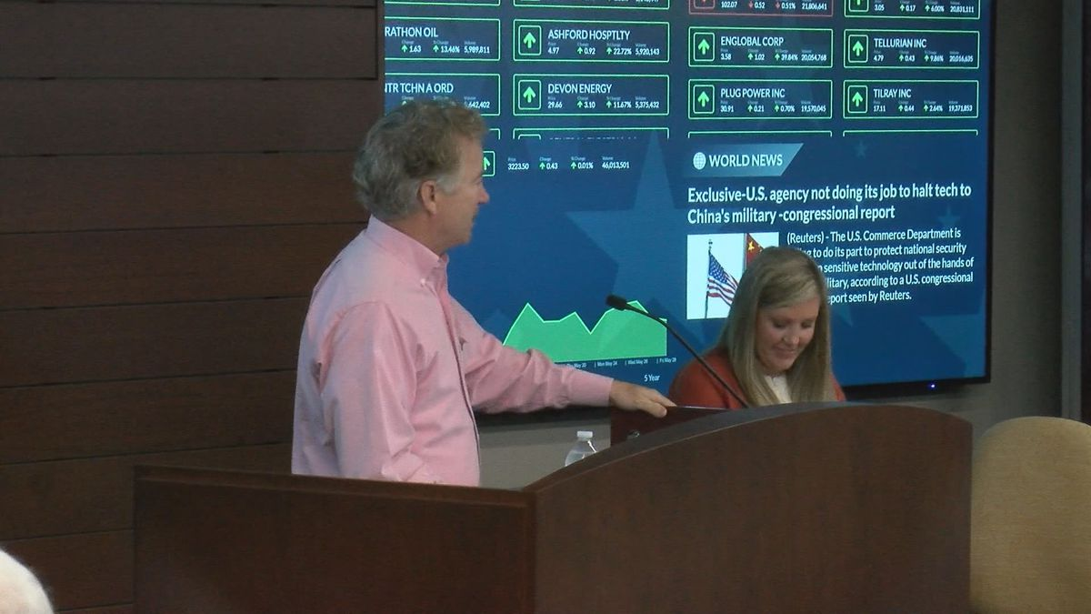 On Tuesday, June 1, U.S. Senator Rand Paul was in Murray where he participated in a business...