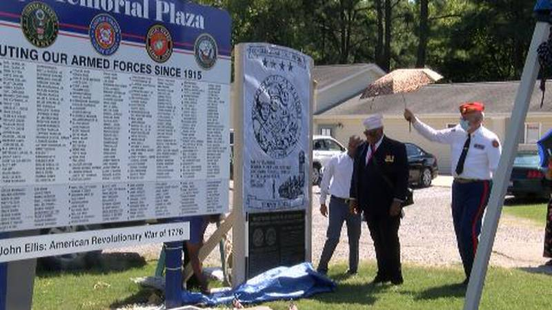 A monument was unveiled for the four Montford Point Marine Corps from Colp, Illinois.