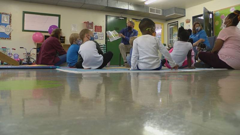 State Rep. Patrick Windhorst spent Wednesday morning reading to Head Start students in Mounds. ...