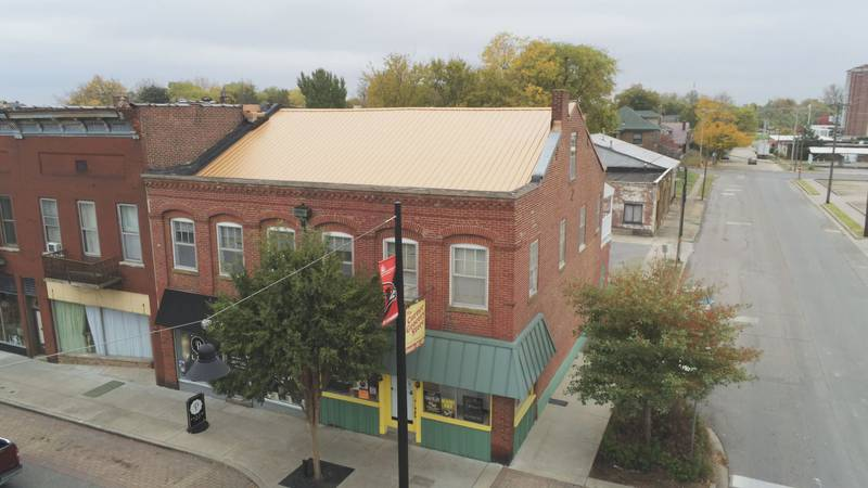 Overlooking the Corner Grocery Store on Broadway in Cape Girardeau