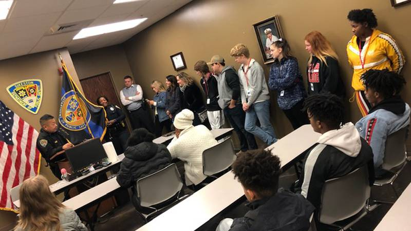 Sikeston High school students at the department of public safety