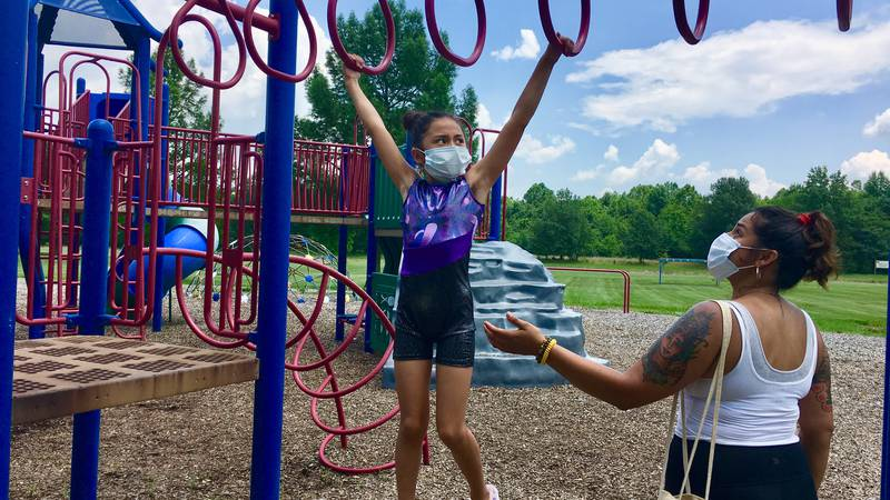 Parents take extra precautions with kids at playgrounds amid COVID-19 pandemic