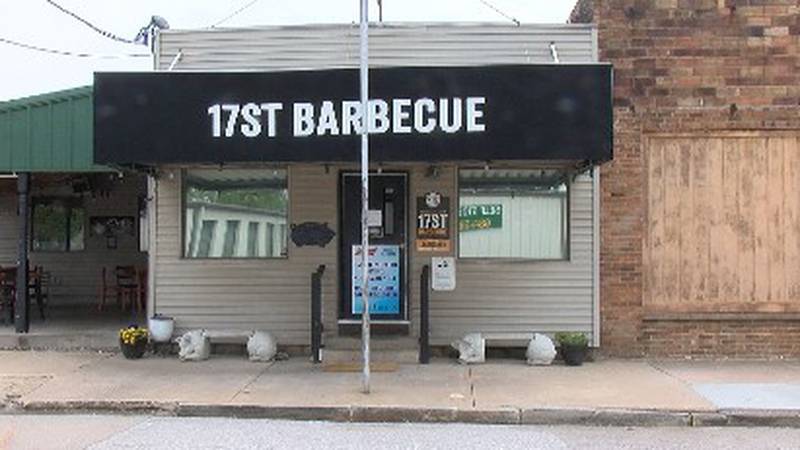 17st Barbecue in Murphysboro is closing 2 days a week due to lack of staff.