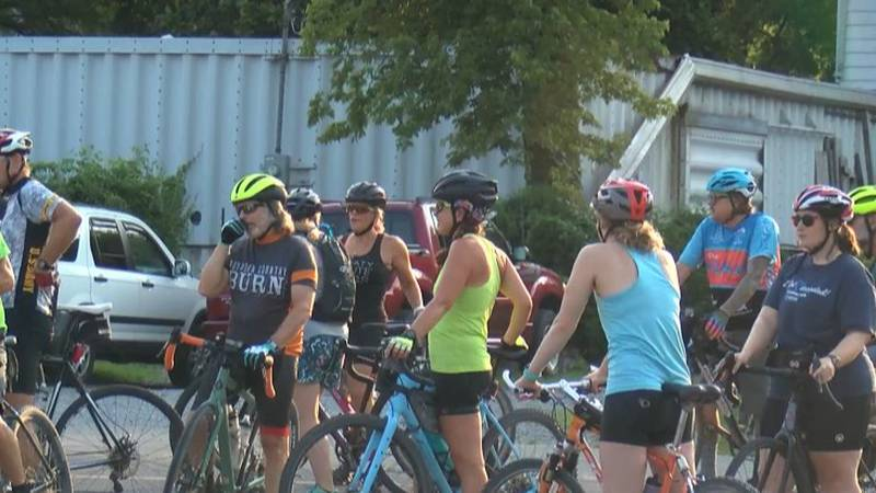 The Tuesday gravel group meet up at the Spanish Street parking lot to ride to southern Illinois.