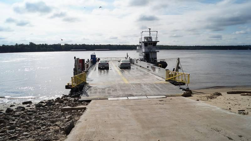 The Dorena-Hickman Ferry resumed service Wednesday morning.
