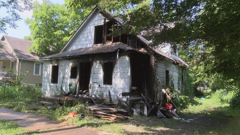 A house on Benton St. in Cape Girardeau caught fire just after 6 a.m. Sunday morning.