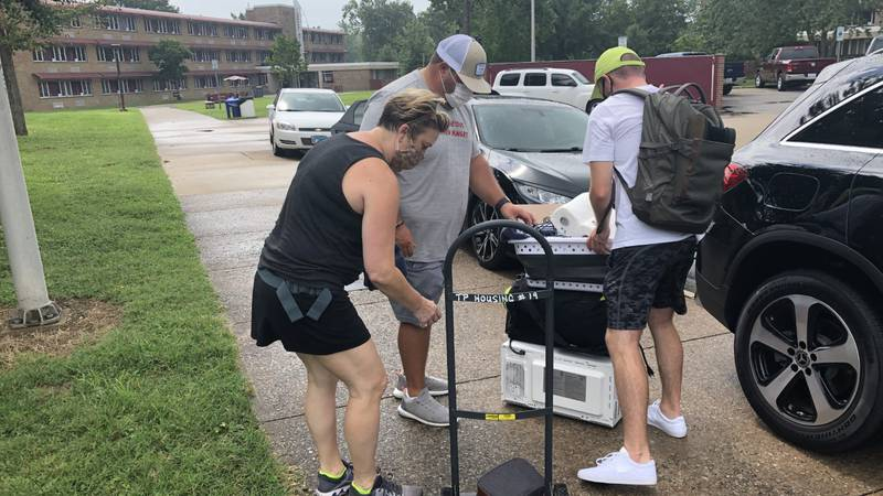 SIU new students move in on Wednesday.