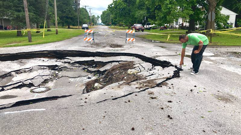 Third sinkhole in Grand Tower due to 2019 Flooding