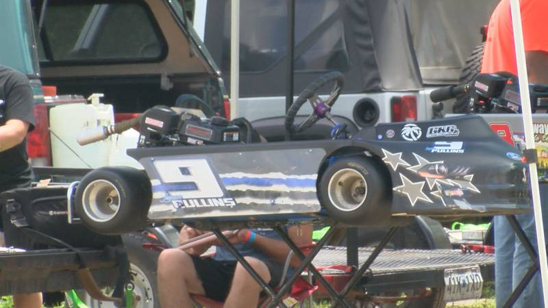 Racers hit the racetracks in Ste. Genevieve to help raise money for a recovering police officer.